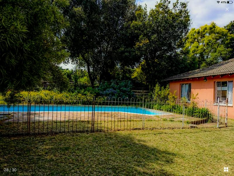 Property For Sale in Lombardy East, Johannesburg 8