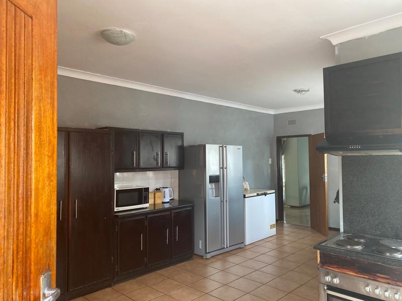 Property For Sale in Lombardy East, Johannesburg 9