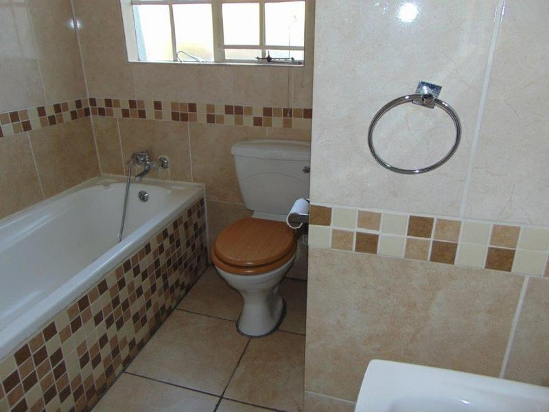 Property For Sale in Eden Glen, Edenvale 10