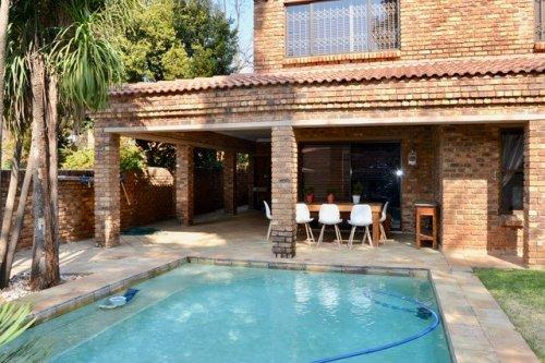 Property For Sale in Morninghill, Bedfordview 8