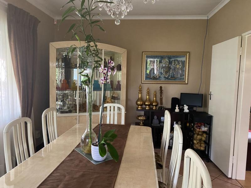 Property For Sale in Lombardy East, Johannesburg 11