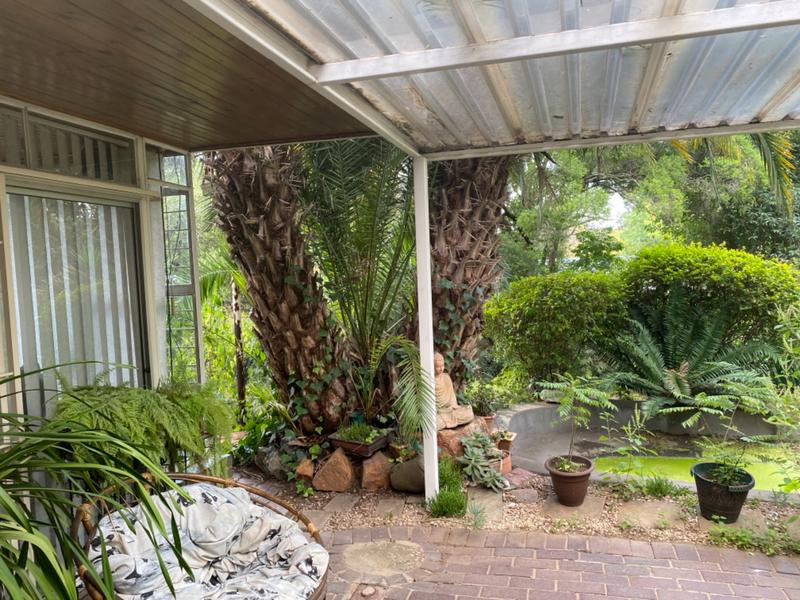 Property For Sale in Lombardy East, Johannesburg 26